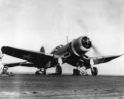 601px-F4U-1_VMF-213_on_USS_Copahee_1943